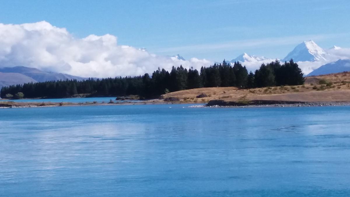 Aoraki/Mt Cook from the trail beside Lake Pukaki